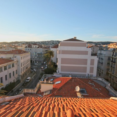 Property for sale in Nice (9) - Petit pied-a-terre, impressive income