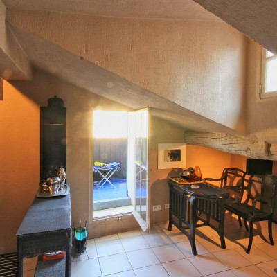 Property for sale in Nice (11) - Studio in Old Town with balcony