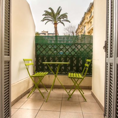 Property for sale in Nice (20) - Studio with terrace for sale in the Carre d'Or
