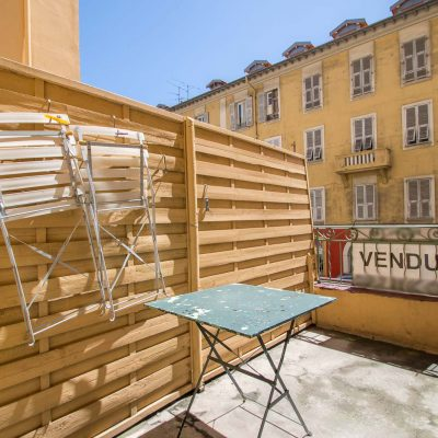 Property for sale in Nice (30) - Apartment in the midst of the port with a sunny terrace