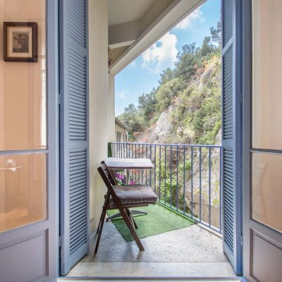 Property for sale in Nice (30) - Big studio with a balcony for sale in the port