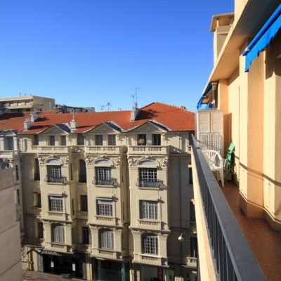 Property for sale in Nice (26) - Studio with south-facing balcony in Carre d'Or