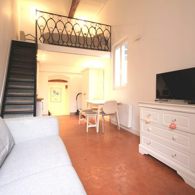 Property for sale in Nice (25) - Stylish studio with mezzanine in central Nice