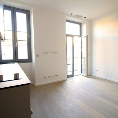 Property for sale in Nice (26) - Newly developed one bedroom apartment with balcony in Nice Port