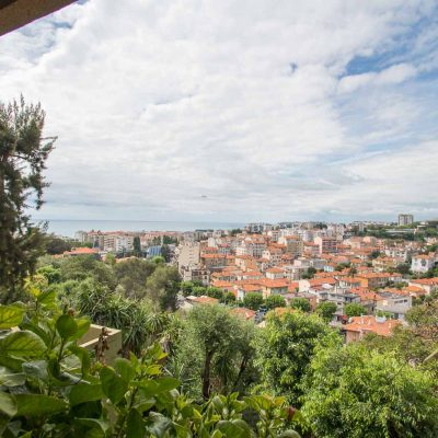Property for sale in Nice (92) - 2 bedroom apartment with a terrace and sea view in the château Miramar