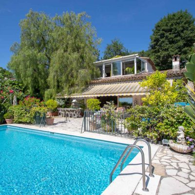 Property for sale in Nice (235) - Stunning villa with panoramic views of Saint-Paul-de-Vence and sea