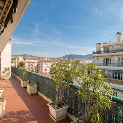 Property for sale in Nice (80) - Superb penthouse duplex apartment with large terraces on both levels