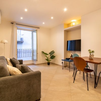 Property for sale in Nice (35) - Beautifully renovated apartment in the Carré d'or