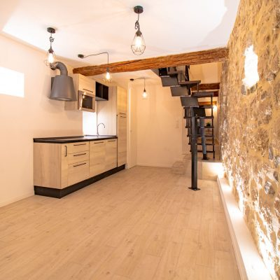 Property for sale in Nice (57) - 2 story apartment in the Old Town of Nice