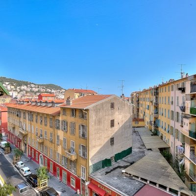 Property for sale in Nice (29) - Beautiful renovated one bedroom with a lift