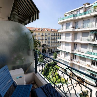 Property for sale in Nice (84) - Spacious two bedroom apartment with balcony