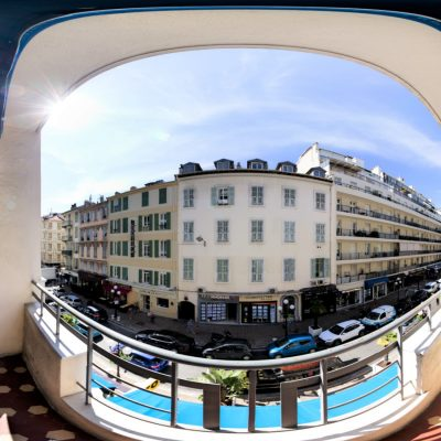 Property for sale in Nice (44) - One bedroom with balconies in Carré d'Or